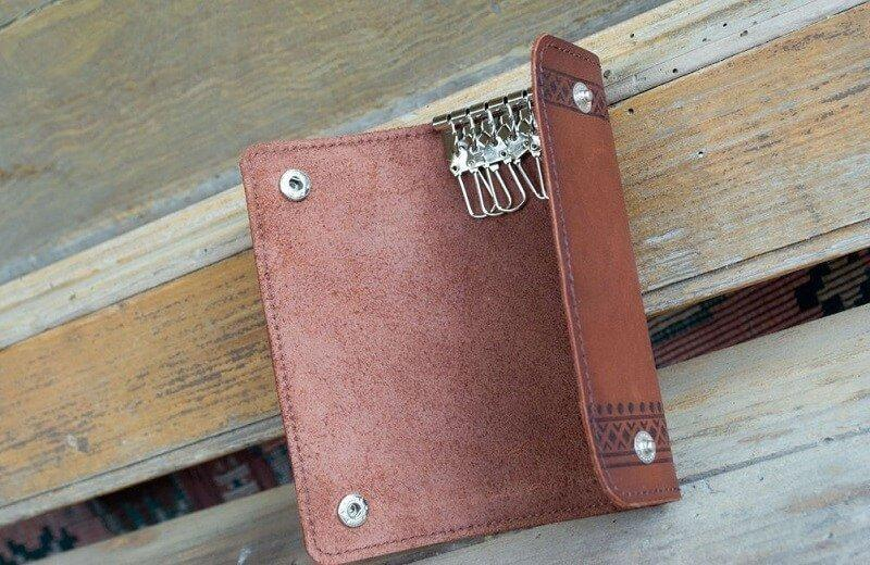 Ключницы для ключей кожаные