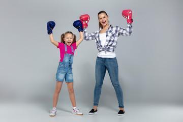 Детские боксерские перчатки Эверласт