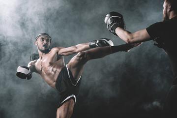 Перчатки для Тайского бокса в Москве