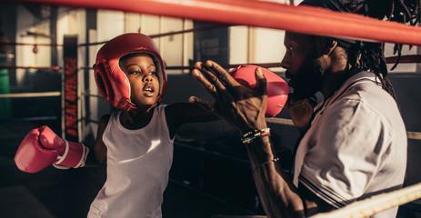 боксерский шлем для защиты