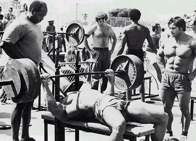 Упражнения на грудные мышцы дроп-сет