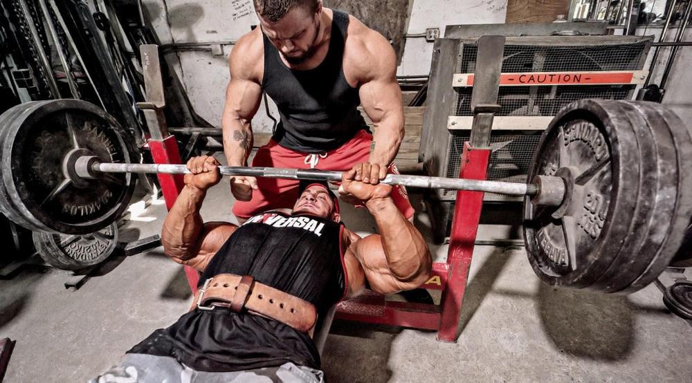 упражнения на развитие грудных мышц