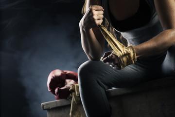 боксерские перчатки и бинты для новичков
