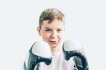 боксерские перчатки для детей 10 лет