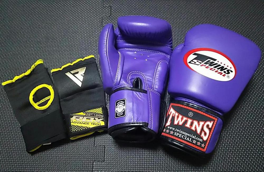 боксерские перчатки Twins Special BGVL-3 12 унций
