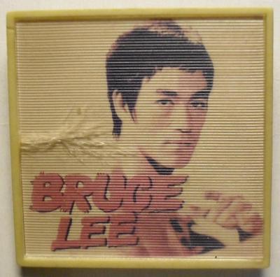 Значок Брюс Ли.