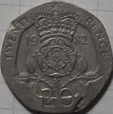 20 пенсов 1982 Великобритания. Имеются дефекты на реверсе.
