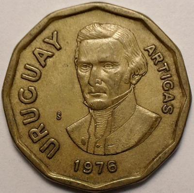 1 новый песо 1976 Уругвай.