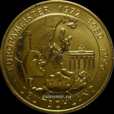 Жетон Германия - чемпион Европы по футболу 1972, 1980 и 1996 годов.